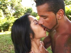 Hawt Lalin girl fucking outdoor