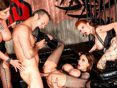 Rocco is a prisoner and copulates three gorgeous big love melons rebels !